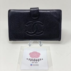 Chanel CC Logo Vintage Caviar Bifold Wallet